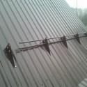 установка снегозадержателей на профнастил